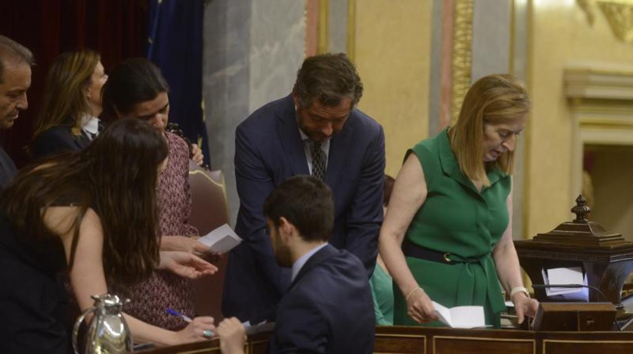 El Congreso rechaza a los cuatro consejeros de RTVE que faltaban para completar a la dirección
