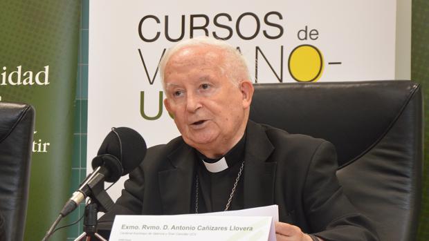 Imagen del cardenal Cañizares tomada este lunes durante su intervención en los cursos de verano de la Universidad Católica de Valencia
