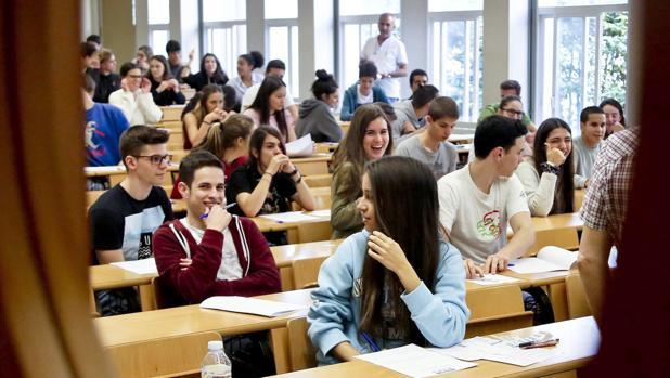 Alumnos de bachillerato en el aula