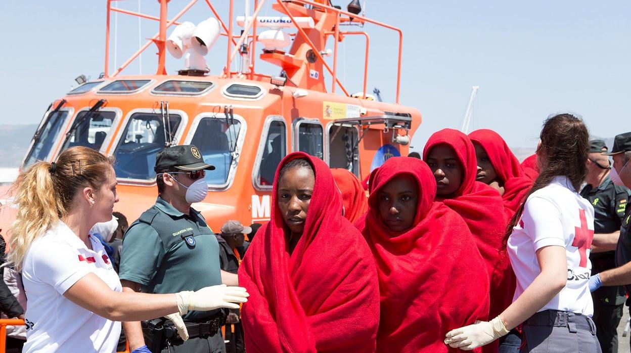 Salvamento rescata tres pateras con un total de 165 personas en apenas 24 horas