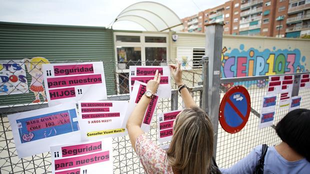 Imagen de un colegio de barracones en Valencia