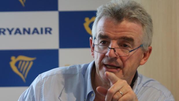 El presidente de Ryanair, Michael O'Leary, atiende a los medios en España