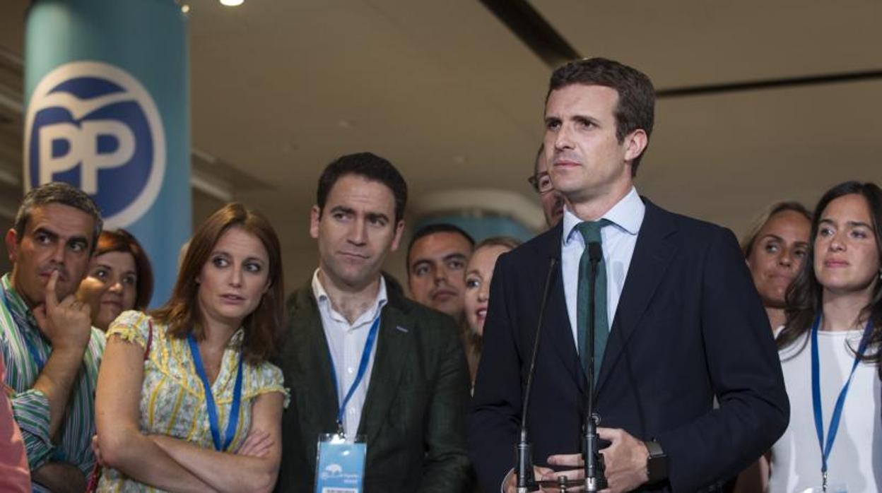 La «guardia» de Casado: cinco exministros de Rajoy y los jóvenes que «refrescaron» el PP