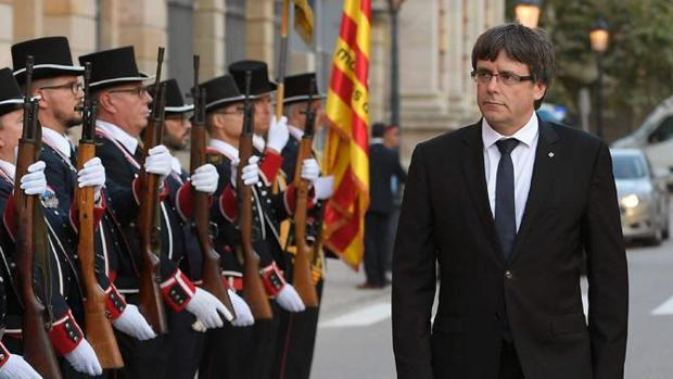 El expresidente pasa lista de los Mossos ante el Parlament