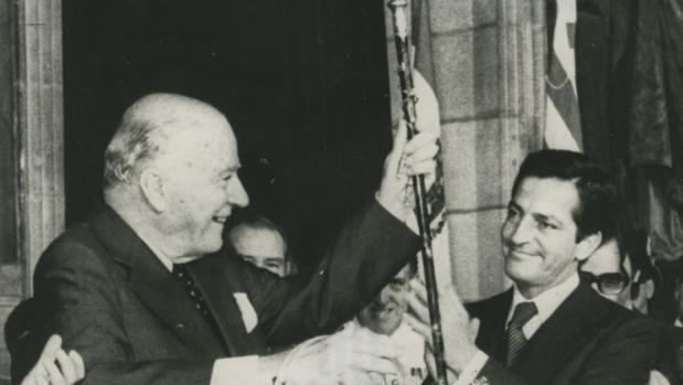 Investidura de Tarradellas como presidente de la Generalitat, en octubre de 1977