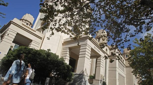 Imatge del rectorat de la Universitat de València