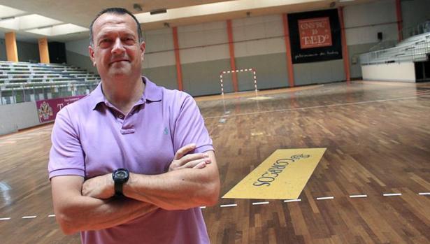 Jesús Velasco: «El problema del fútbol sala es que se permite mucho contacto»