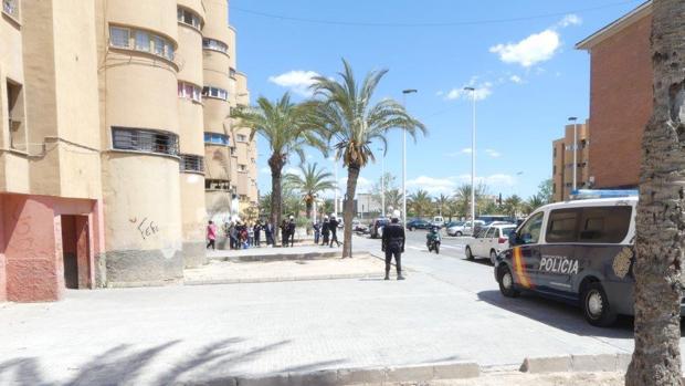 Intervención policial en la zona donde distribuía droga la menor de edad en Elche