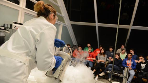 Una demostración en la muestra Ciencia a escena