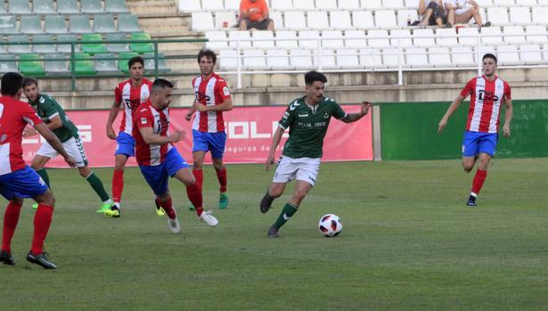 El Toledo fue derrotado por el Navalcarnero 0-2, en el Salto del Caballo