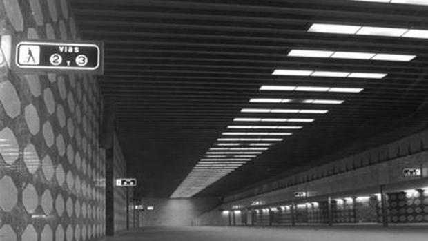 Aspecto que presentaba el vestíbulo de Cercanías de Chamartín a finales de los años 70, cuando comenzó a utilizarse