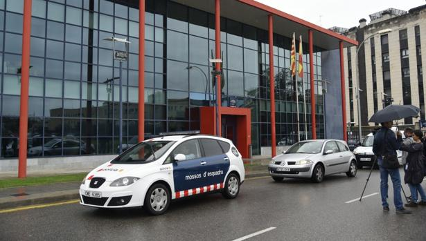 Comisaría de los Mossos en Lérida, a donde acudieron agentes judiciales para su investigación por el 1-O