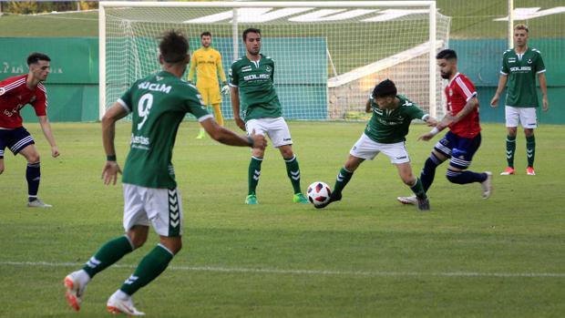 Uno de los momentos del partido amistoso entre el CD Toledo y el Real Ávila