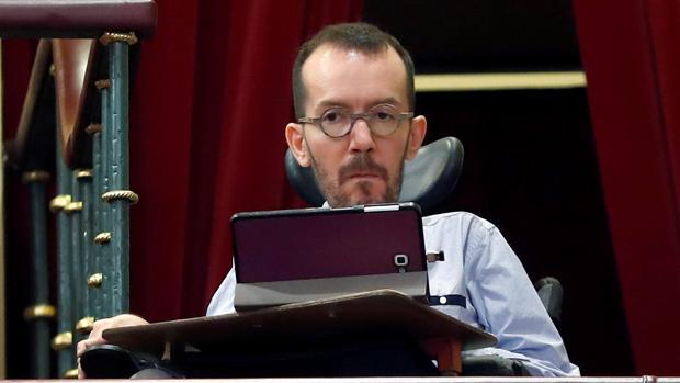 Pablo Echenique durante el debate de la moción de censura en mayo