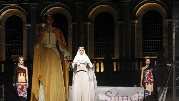 Desfile del diseñador toledano José Sánchez, «Toledo 30 años»