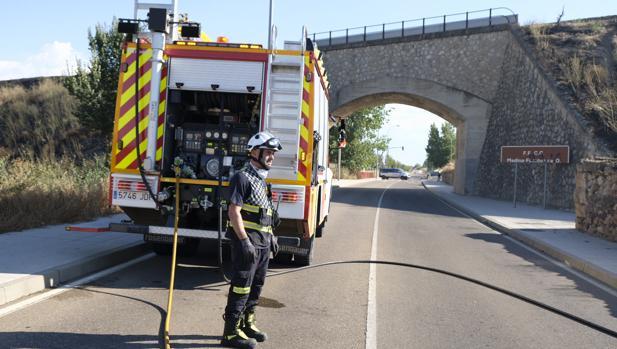 Uno de los bomberos del equipo de la extinción del incendio en Salamanca