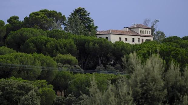 El edificio de la finca Palacio Valdés en Tres Cantos