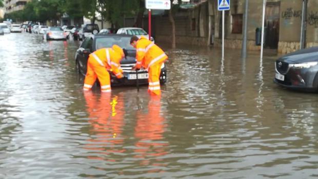 Imagen difundida por Protección Civil Dénia en una intervención de ayuda a un conductor
