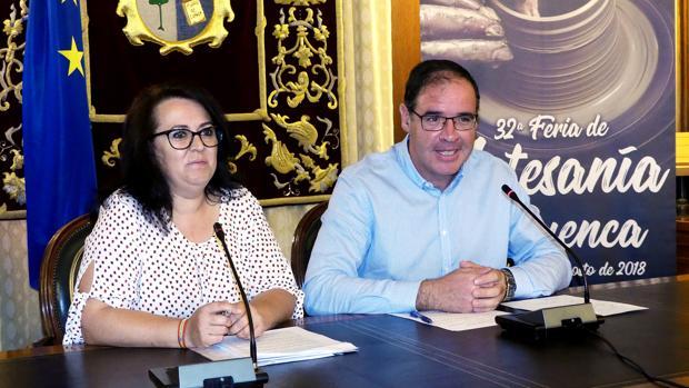 Paloma García y Benjamín Prieto han presentado las actividades para esta nueva feria de artesanía conquense
