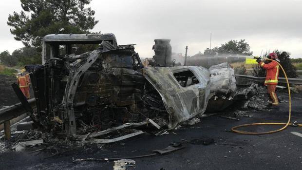 Imagen de archivo del incendio de un camión