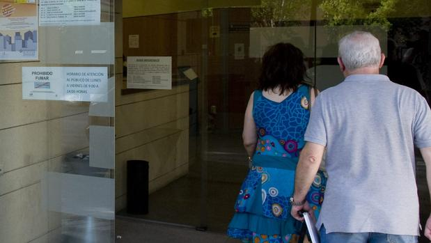 Destapan un fraude de 5 millones en cuotas a la seguridad social - Oficina seguridad social sevilla ...