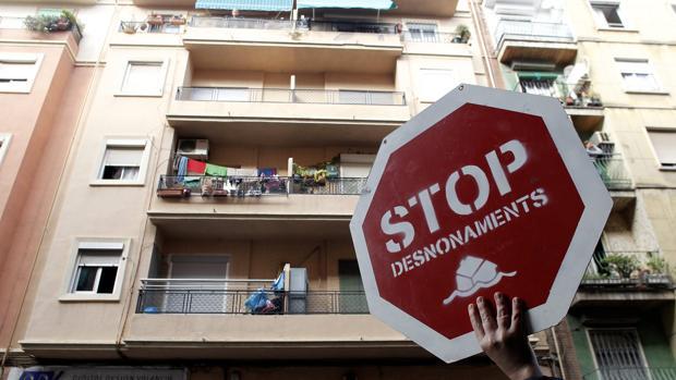 Imagen de archivo de una manifestación contra un desahucio en la Comunidad Valenciana