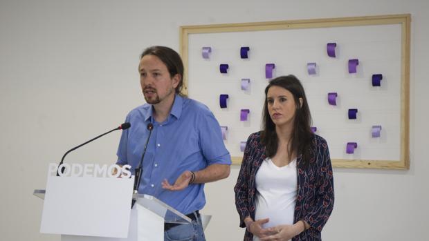 Iglesias e Montero, cuando anunciaron que ponían sus cargos a disposición de la militancia