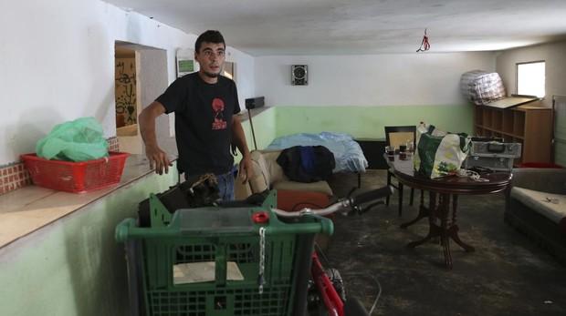 Hemeroteca: Un bloque Villaverde estalla: «Los okupas y las chinches nos van a matar» | Autor del artículo: Finanzas.com
