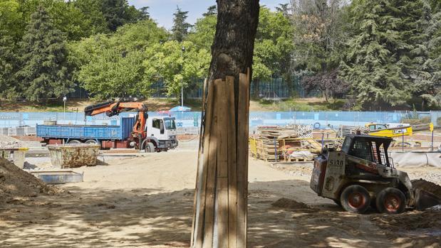 Obras en la piscina municipal de San Blas