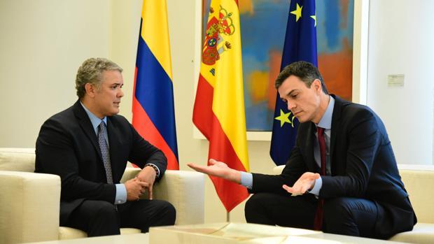 Sänchez recibe al presidente de Colombia, Ivan Duque, antes de la toma de posesión en La Moncloa