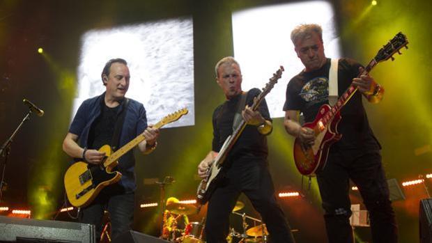 Los hombres G en un concierto en WiZiink Center de Madrid
