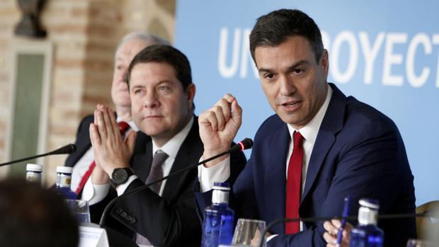 Emiliano García-Page y Pedro Sánchez, en un encuentro celebrado en Toledo en 2015