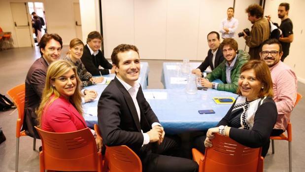 Pablo Casado con Bonig y otros dirigentes del PP en Valencia