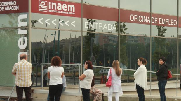 El 92% de los contratos de trabajo que se firmaron en Aragón en agosto fueron temporales
