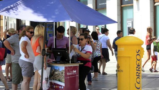 El paro ha subido en el mes de agosto en todas las provincias de la región menos en Guadalajara