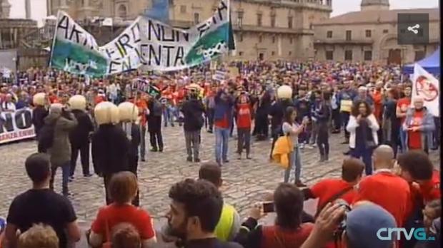 Imagen de la manifestación contra la mina de Touro en el Obradoiro