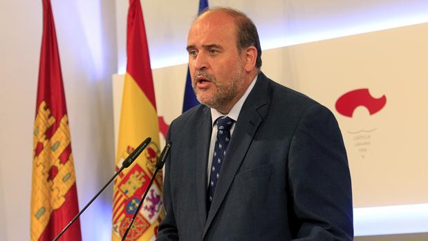 José Luis Martínez Guijarro ha presentado los actos del 40 aniversario de la Constitución en la región