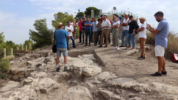 Visita al cerro de El Tossal de la Cala de Benidorm, este miércoles