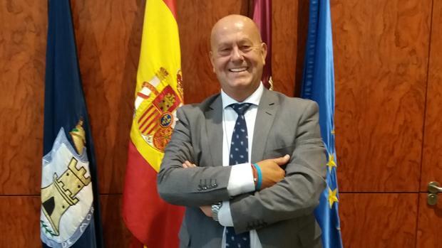 Emilio Bravo invita a los morachos a que participen en todos los actos de las fiestas