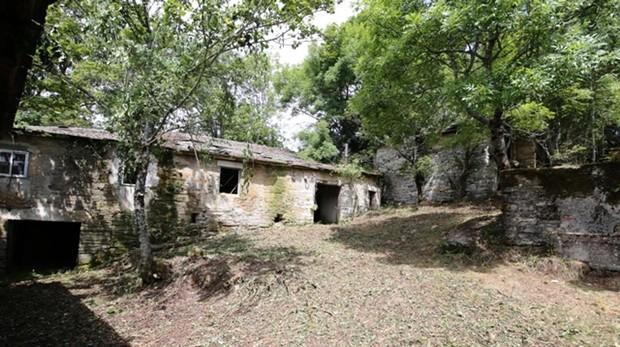 Imagen del pueblo a la venta, en O Cebreiro