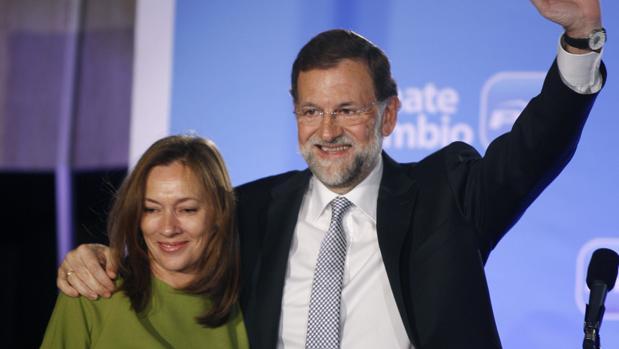 Rajoy, con su esposa Elvira Fernández, ras ganar las elecciones de 2011