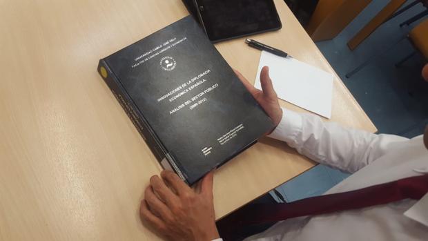 La tesis doctoral de Pedro Sánchez en la biblioteca de la universidad Camilo José Cela