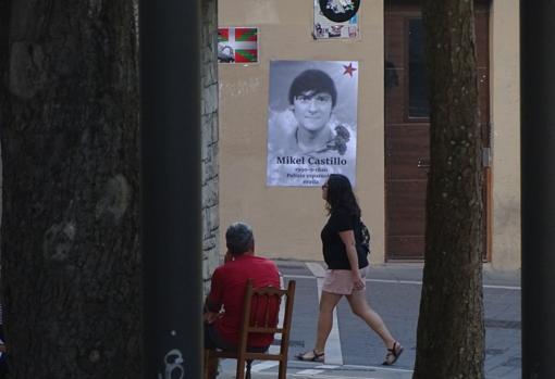 Medio centenar de personas homenajeó este martes al etarra Mikel Castillo