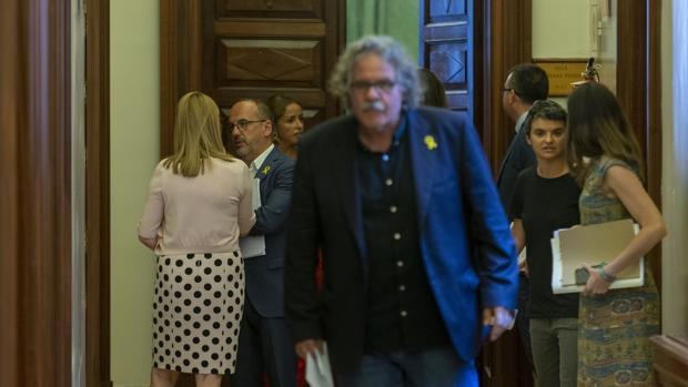 Los socios de Sánchez salen en su auxilio para intentar zanjar la crisis por su tesis