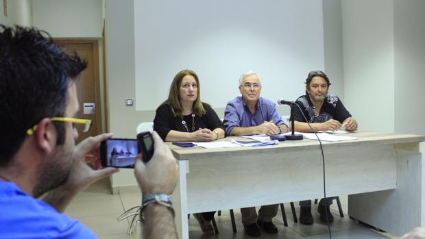Denuncian acoso a una vecina por hablar de ambiente «irrespirable» en Mora
