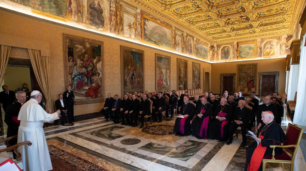 El Papa agradece a la Diócesis de Valencia la acogida de los inmigrantes del Aquarius