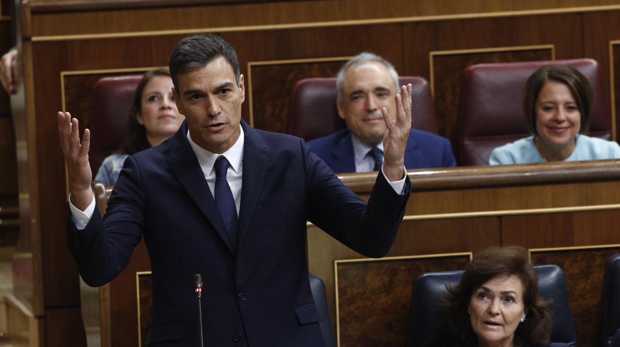 Vox se querella contra Sánchez para que se investiguen los plagios en su tesis