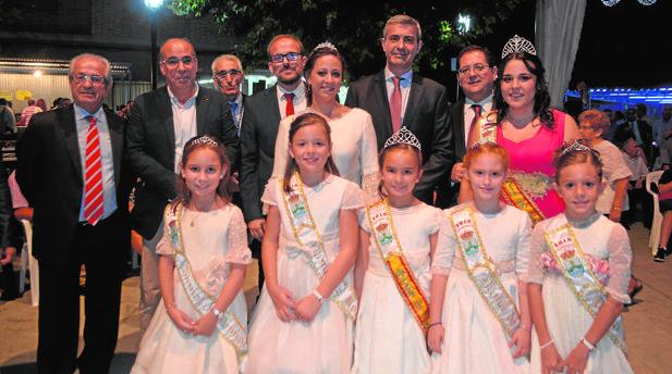 Gutiérrez, junto al alcalde de Villaminaya y la Reina y Damas de las fiestas