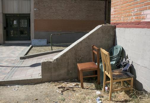 Bloque ocupado en la calle Tomelloso, en Madrid