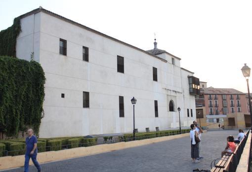 El convento de Santa Fe albergará la colección de Roberto Polo, una exposición que abrirá sus puertas en febrero